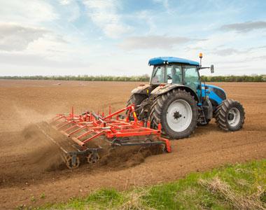 Machines pour travailler la terre